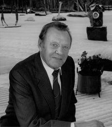 Erkki Paasikivi black and white
